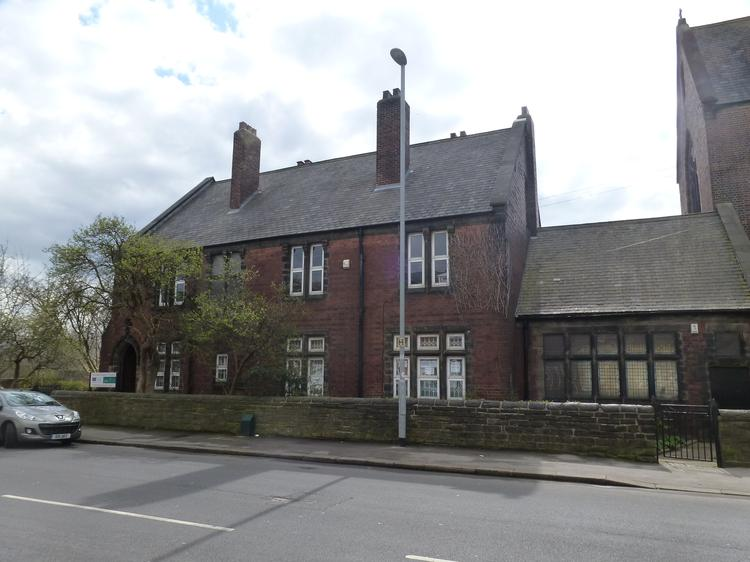 GROUND FLOOR OFFICES WITH PARKING