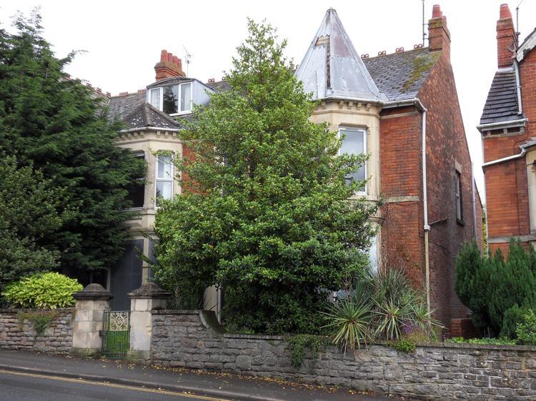 25 Croft Road, Old Town, SWINDON