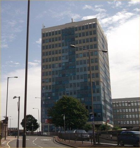 TO LET - OFFICE WITH ON SITE PARKING 9th Floor Riverside House, Woolwich High Street, Woolwich, London