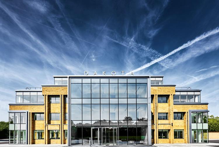 39461 Sq Ft Office - To Let