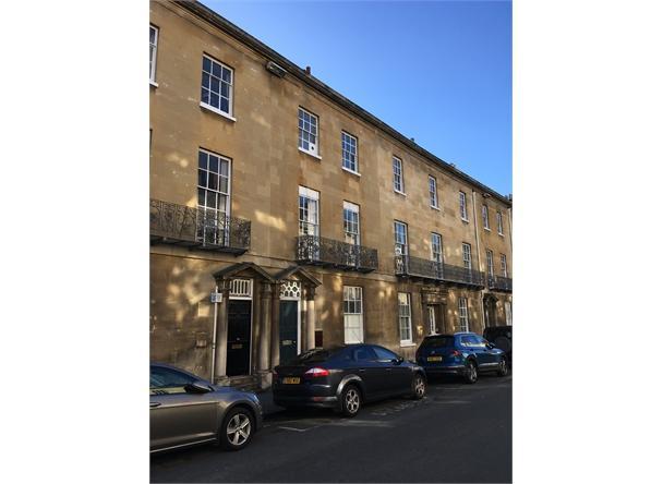 UNDER OFFER 18 Beaumont Street, Oxford
