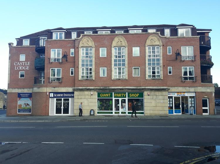 2 Gladstone Parade, Timber Street, CHIPPENHAM