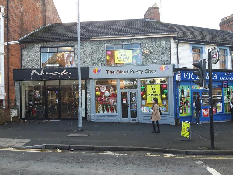 183 Victoria Road, SWINDON